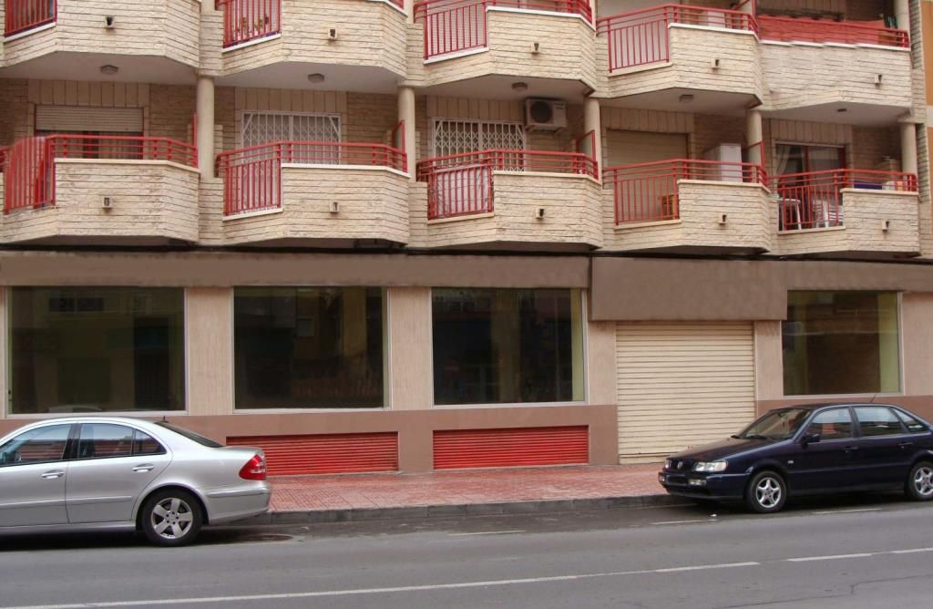 Офис в Аликанте, Испания, 299 м2 - фото 1
