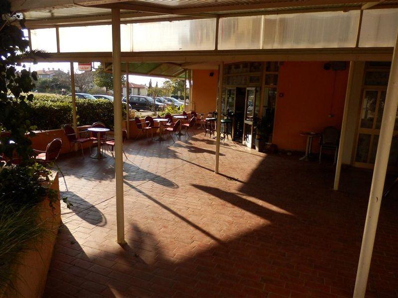 Кафе, ресторан в Пуле, Хорватия, 80 м2 - фото 1