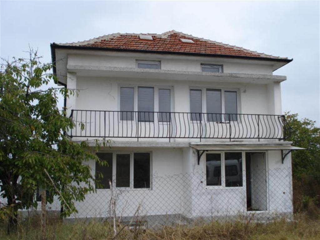 Дом в Елхово, Болгария, 2500 м2 - фото 1