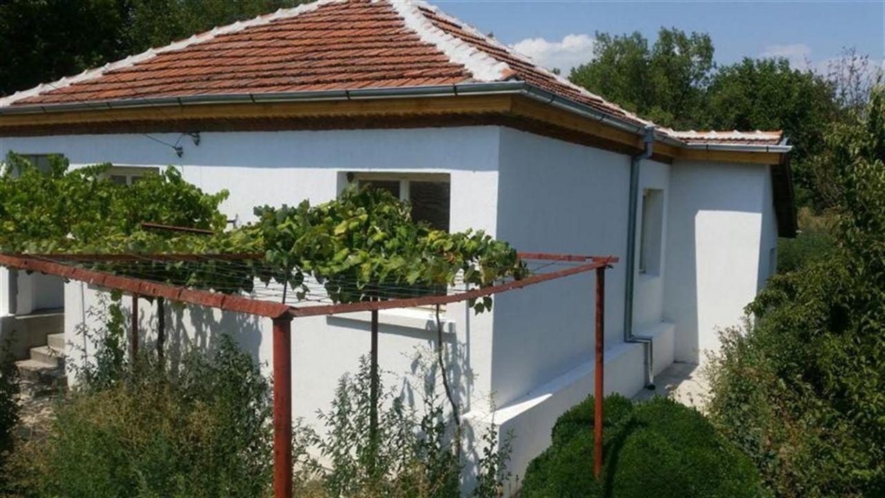 Дом в Елхово, Болгария, 1580 м2 - фото 1