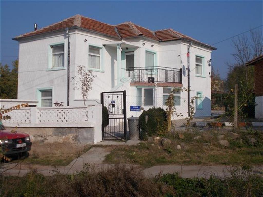 Дом в Елхово, Болгария, 1560 м2 - фото 1