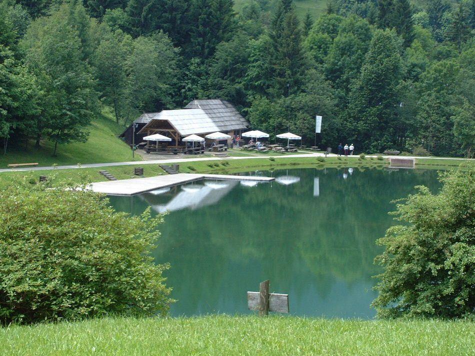 Коммерческая недвижимость в Словенске-Конице, Словения - фото 1