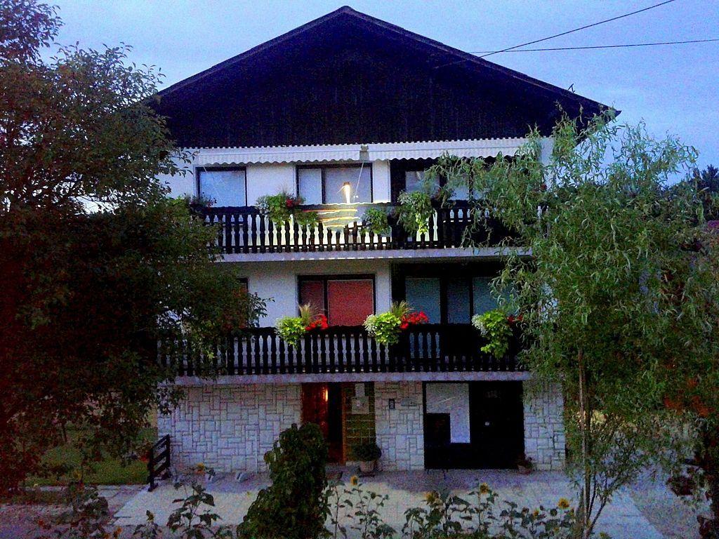 Коммерческая недвижимость в Медводе, Словения, 507 м2 - фото 1