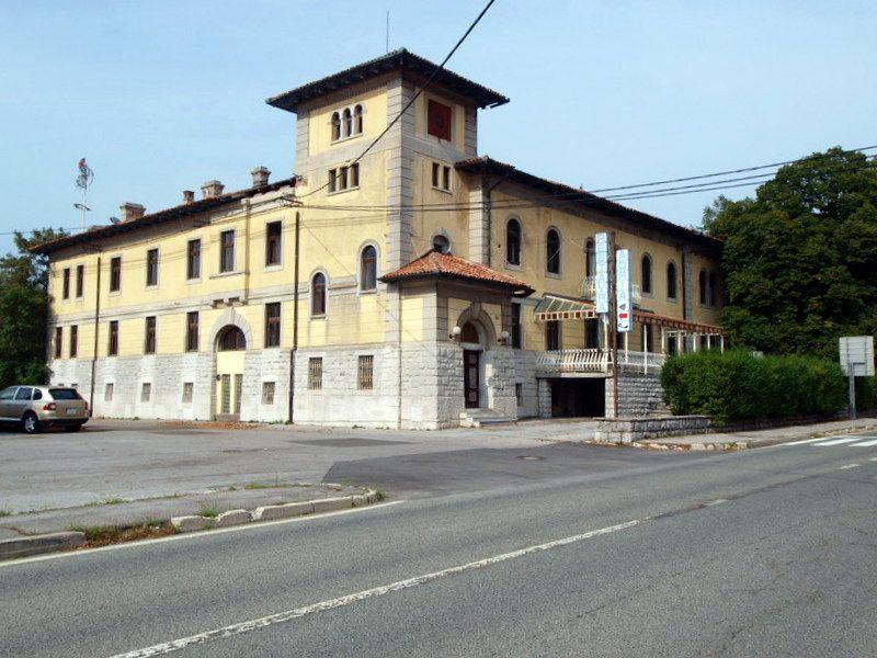 Замок в Сежане, Словения, 2447 м2 - фото 1