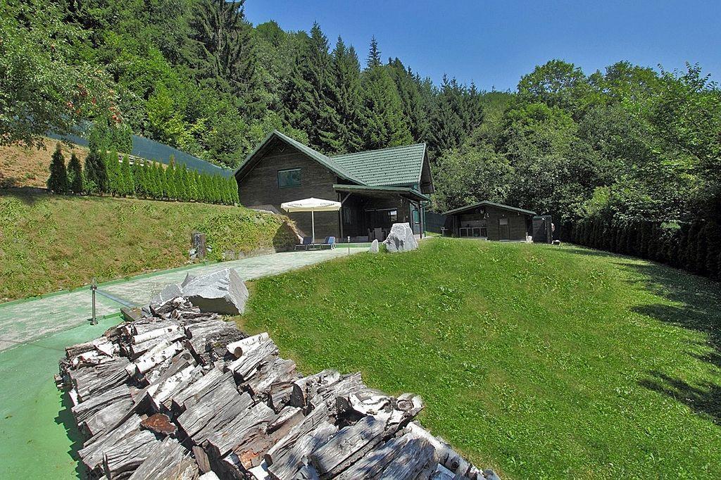 Дом в Мариборе, Словения, 4425 м2 - фото 1