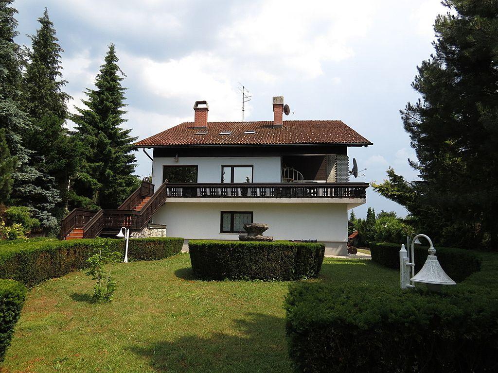 Дом в Гросупле, Словения, 2192 м2 - фото 1