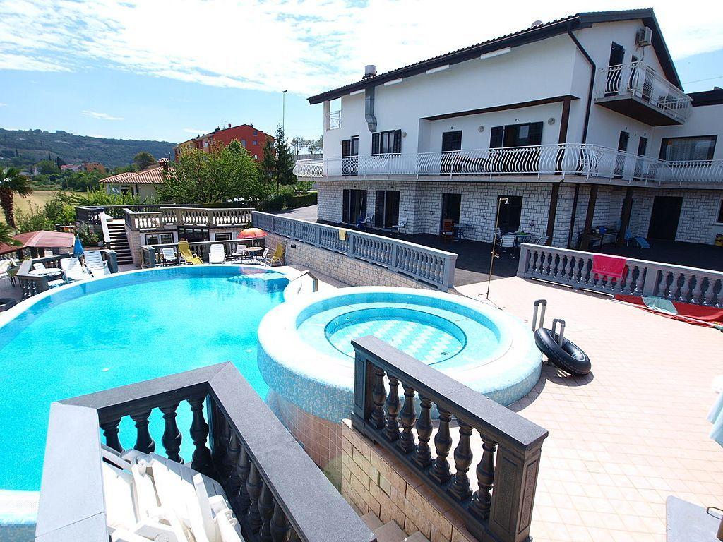 Отель, гостиница в Портороже, Словения, 612 м2 - фото 1