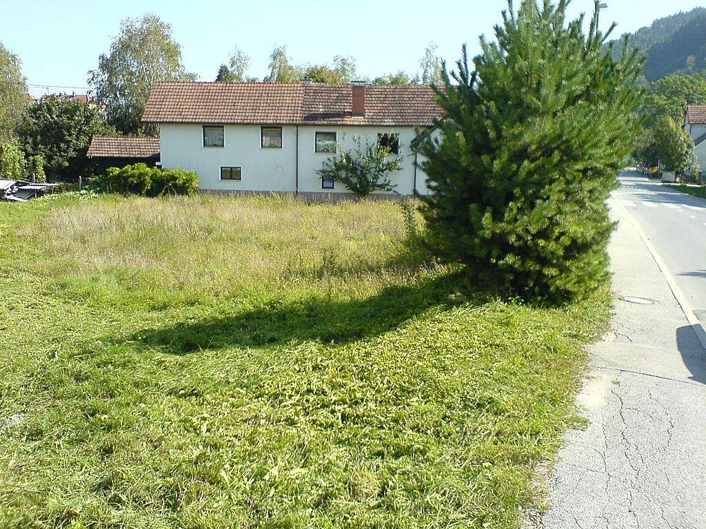Земля в Любляне, Словения, 1646 м2 - фото 1