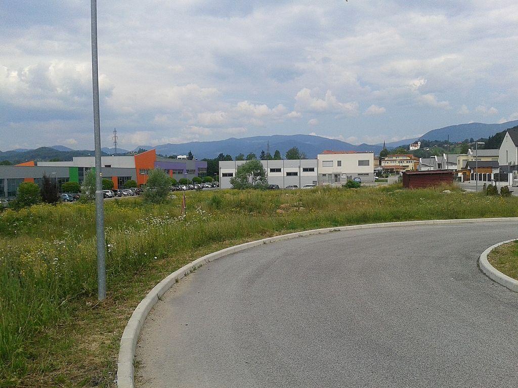 Земля в Целе, Словения, 1250 м2 - фото 1
