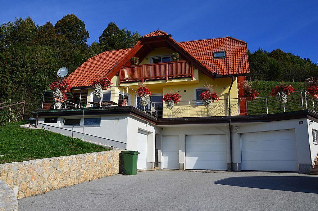 Дом в Целе, Словения, 327 м2 - фото 1
