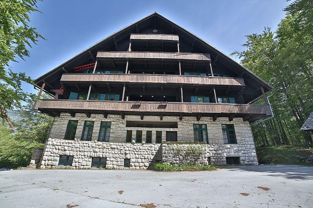 Отель, гостиница в Бохине, Словения, 2406 м2 - фото 1
