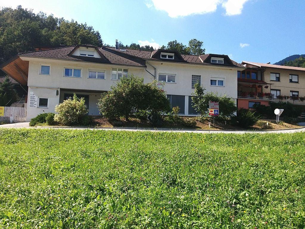 Коммерческая недвижимость в Лашко, Словения, 480 м2 - фото 1