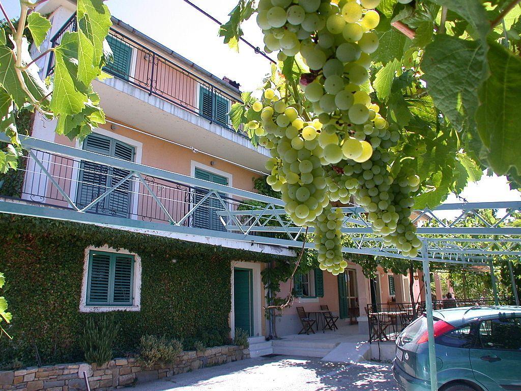 Отель, гостиница в Портороже, Словения, 422 м2 - фото 1