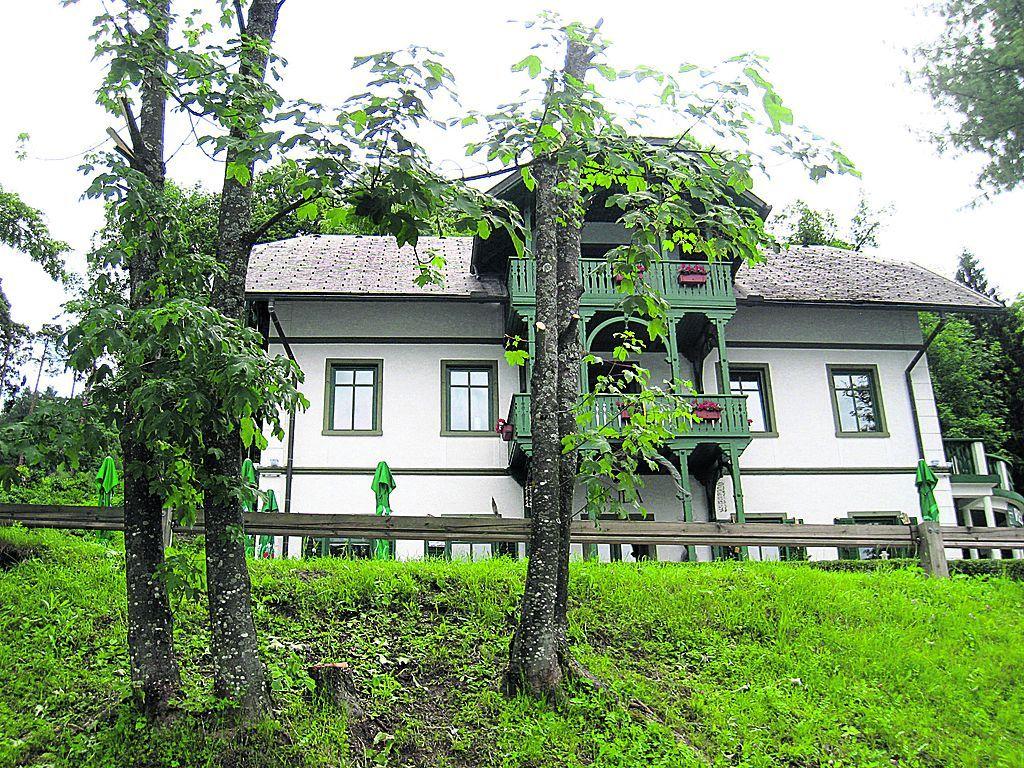 Отель, гостиница в Бледе, Словения, 360 м2 - фото 1