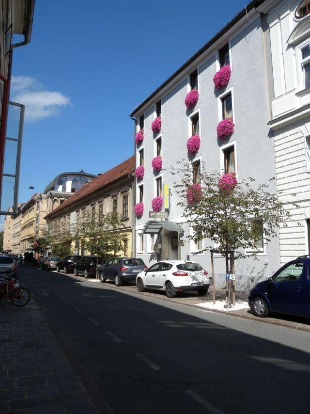 Отель, гостиница в Любляне, Словения, 1264 м2 - фото 1