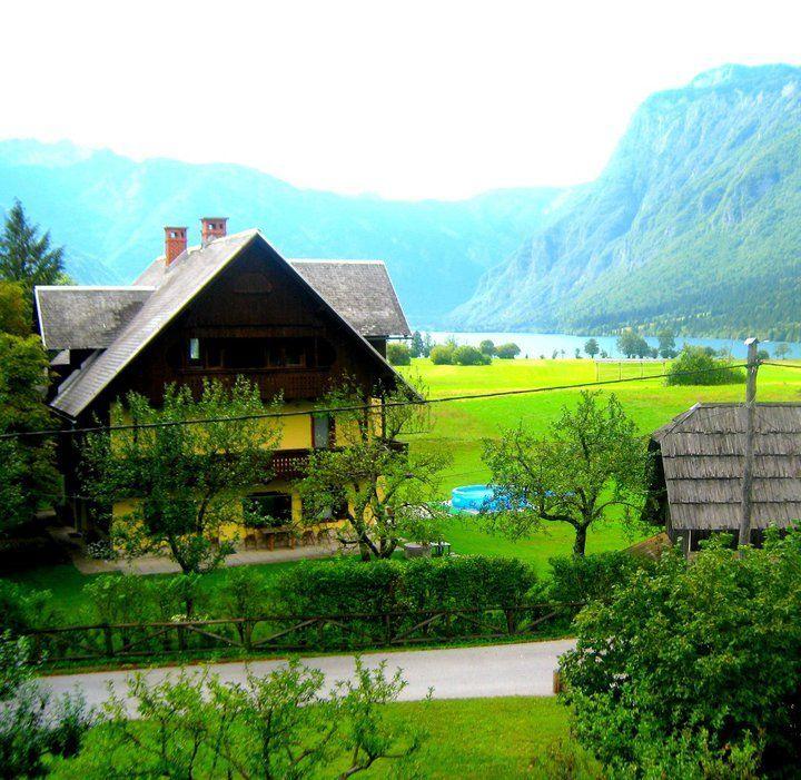 Отель, гостиница в Бохине, Словения, 245 м2 - фото 1