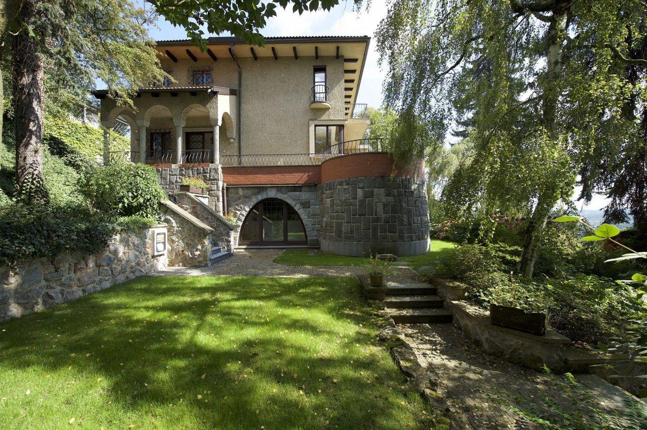 Вилла в Праге, Чехия, 595 м2 - фото 1
