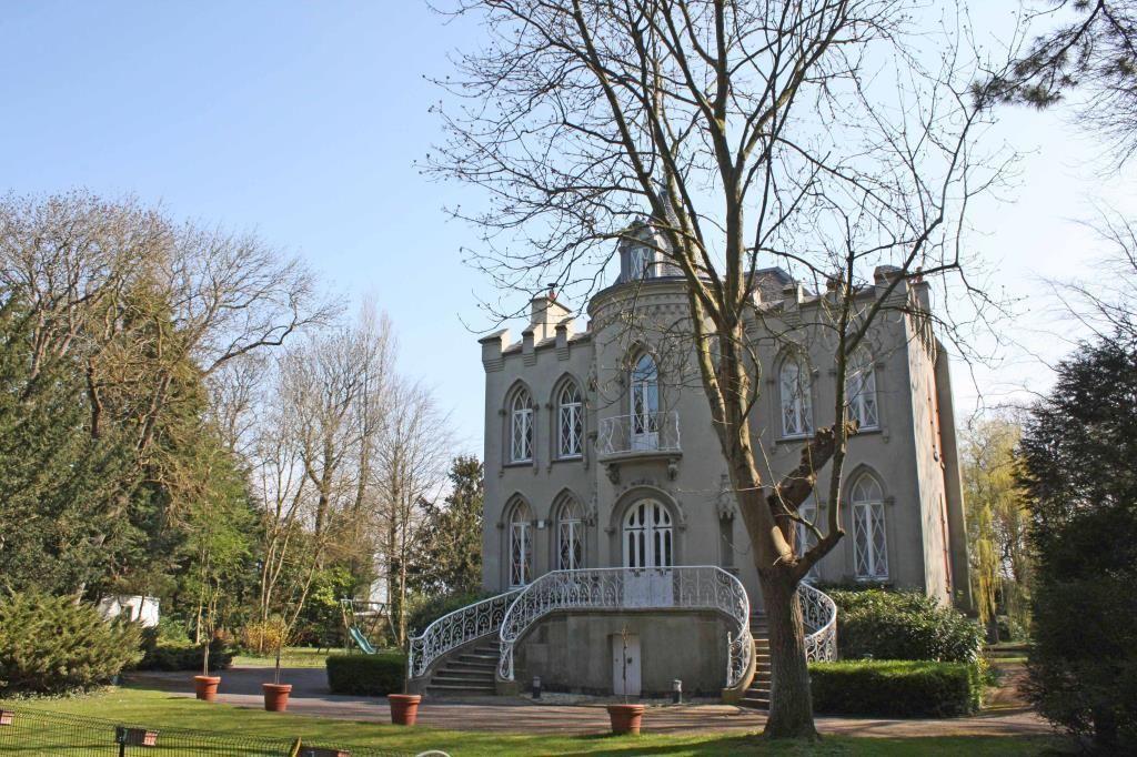 Замок в Нормандии, Франция, 1.3 Га - фото 1