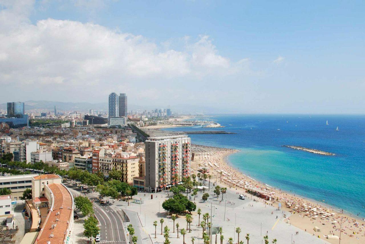 Коммерческая недвижимость в Барселоне, Испания, 97 м2 - фото 1