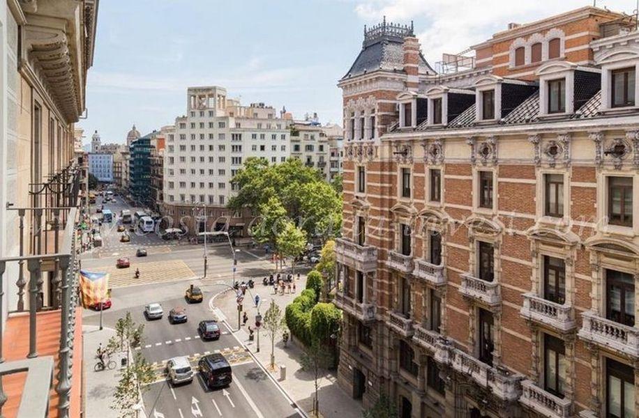 Апартаменты в Барселоне, Испания, 261 м2 - фото 1