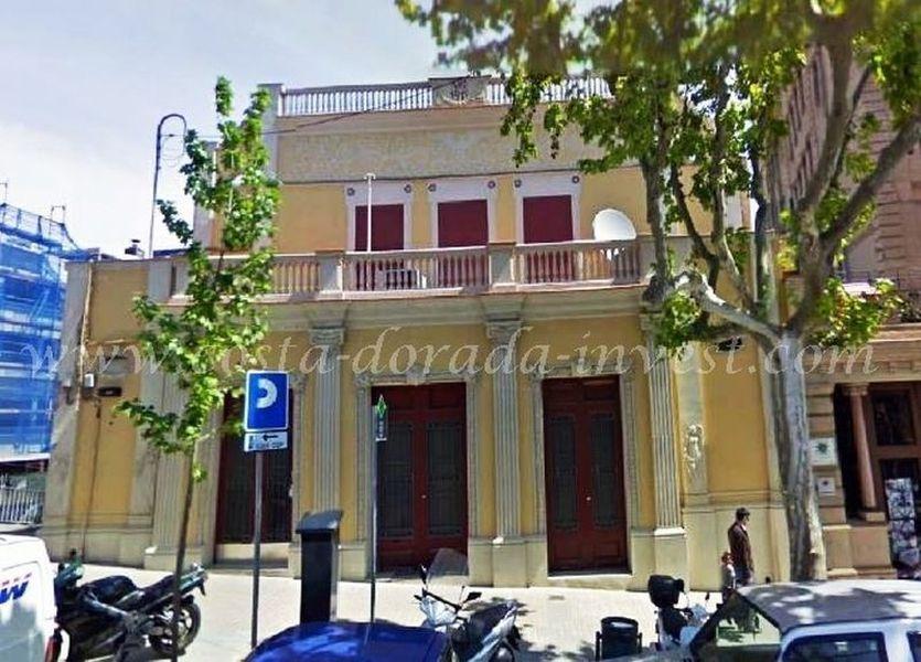 Коммерческая недвижимость в Барселоне, Испания, 1044 м2 - фото 1