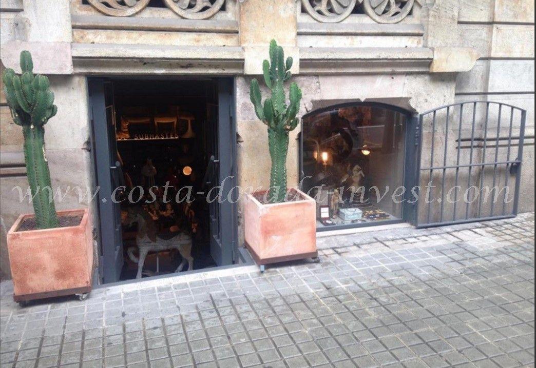 Коммерческая недвижимость в Барселоне, Испания, 40 м2 - фото 1