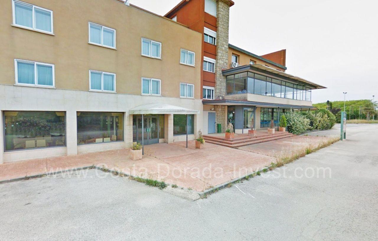 Коммерческая недвижимость на Коста-Дорада, Испания, 5000 м2 - фото 1