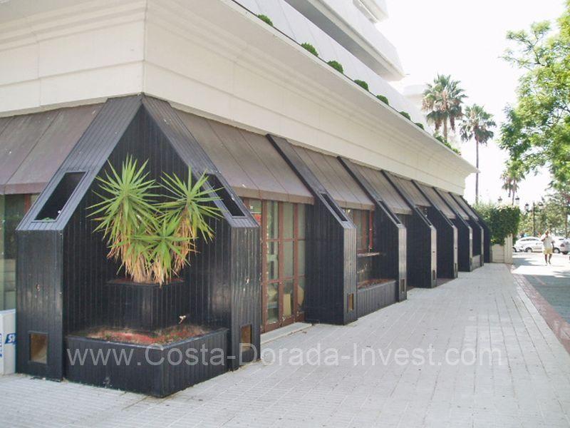 Коммерческая недвижимость в Марбелье, Испания, 406 м2 - фото 1