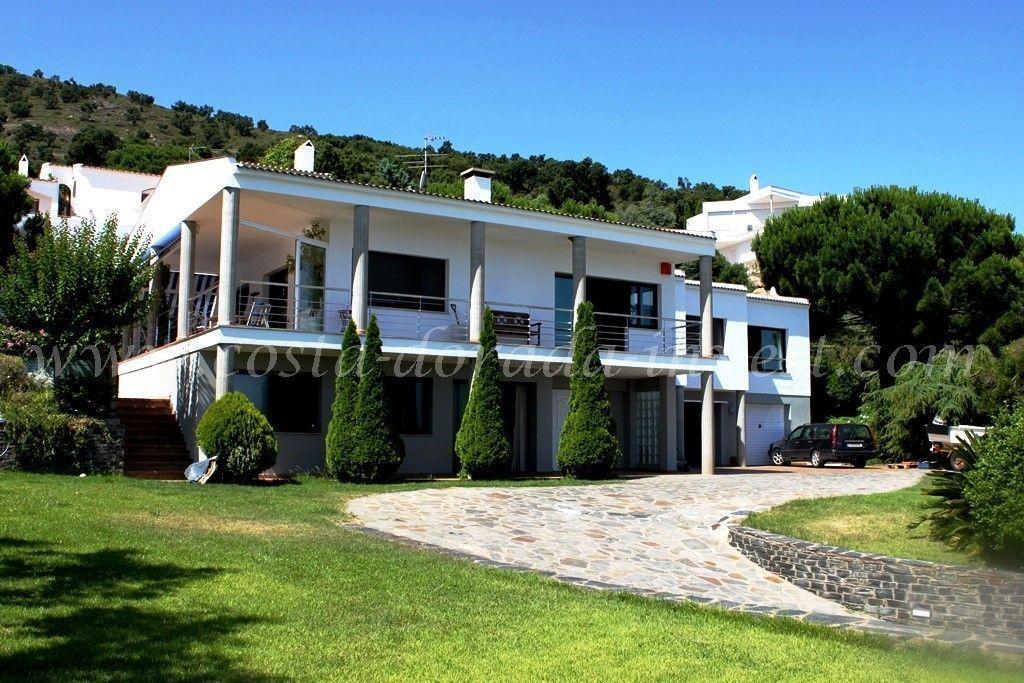 Дом на Коста-Брава, Испания, 500 м2 - фото 1