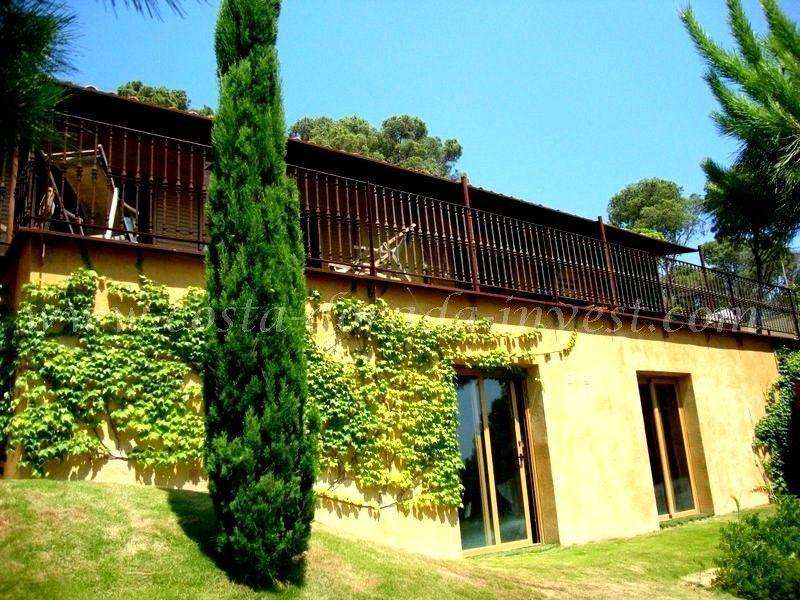 Дом на Коста-Брава, Испания, 820 м2 - фото 1