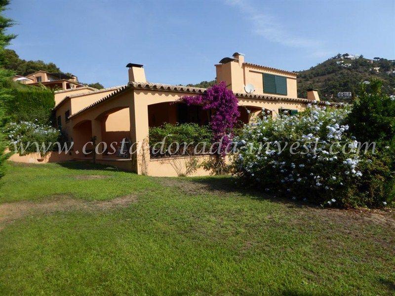 Дом на Коста-Брава, Испания, 550 м2 - фото 1