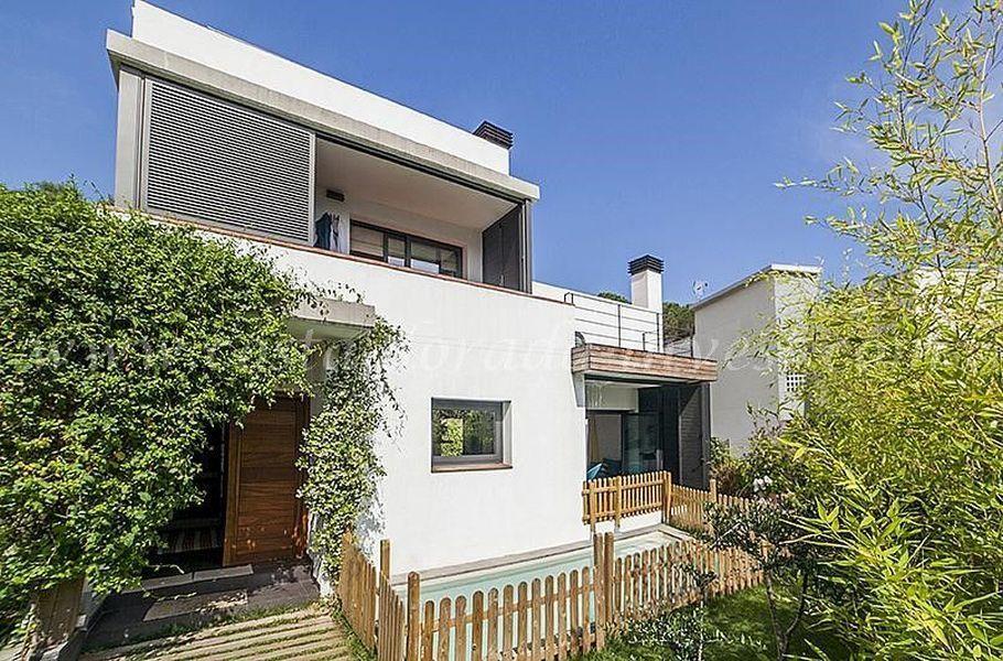 Дом в Барселоне, Испания, 404 м2 - фото 1