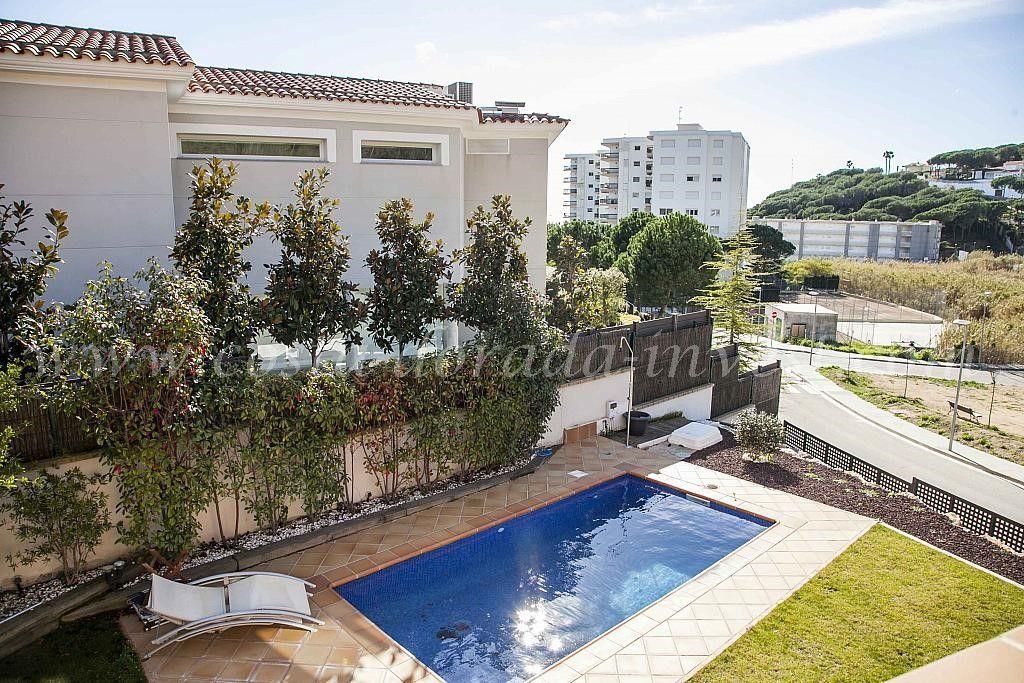 Дом в Барселоне, Испания, 610 м2 - фото 1
