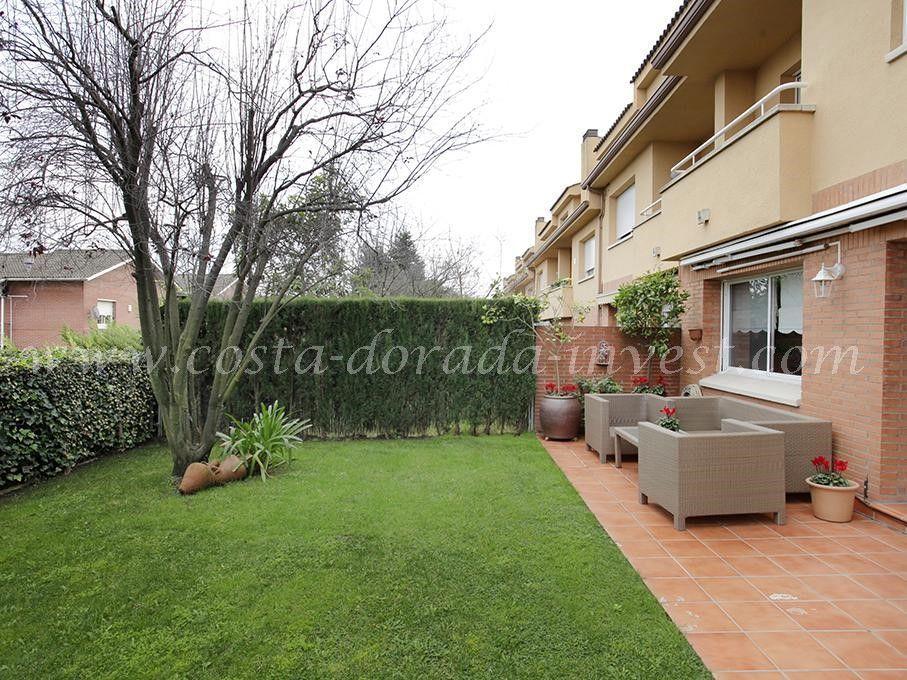 Дом в Барселоне, Испания, 350 м2 - фото 1