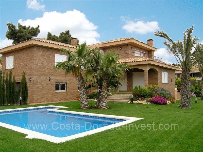 Дом в Барселоне, Испания, 865 м2 - фото 1