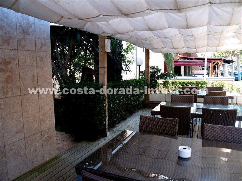 Отель, гостиница на Коста-Дорада, Испания, 1200 м2 - фото 1
