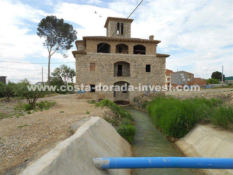 Коммерческая недвижимость на Коста-Дорада, Испания, 900 м2 - фото 1