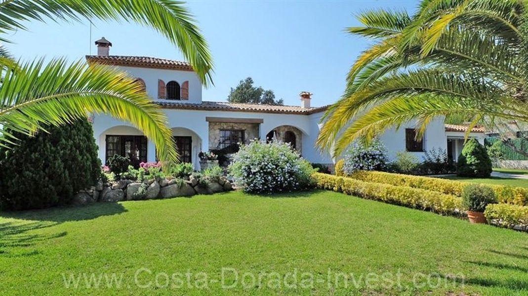 Вилла на Коста-Брава, Испания, 200 м2 - фото 1