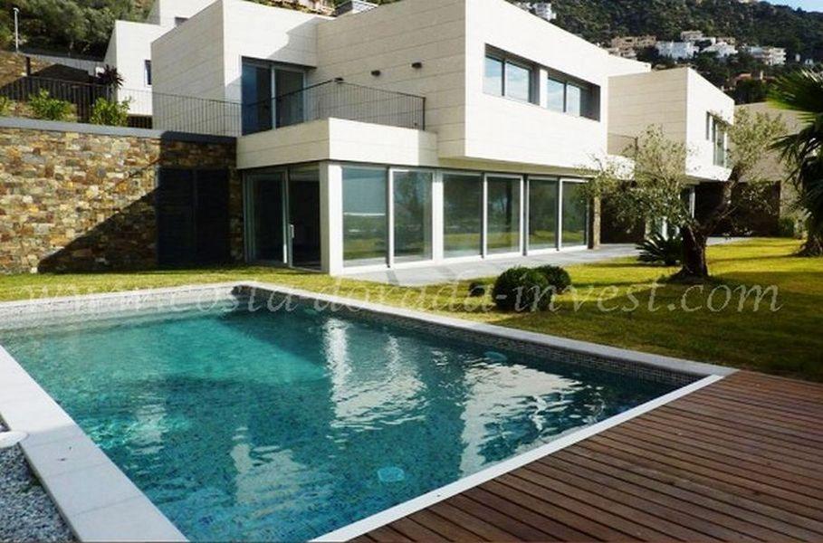 Дом на Коста-Брава, Испания, 400 м2 - фото 1