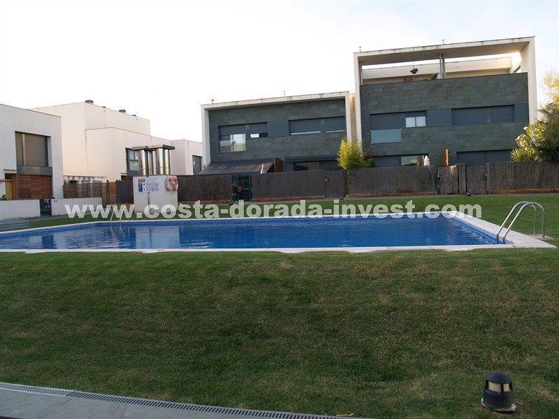 Дом на Коста-Дорада, Испания, 250 м2 - фото 1
