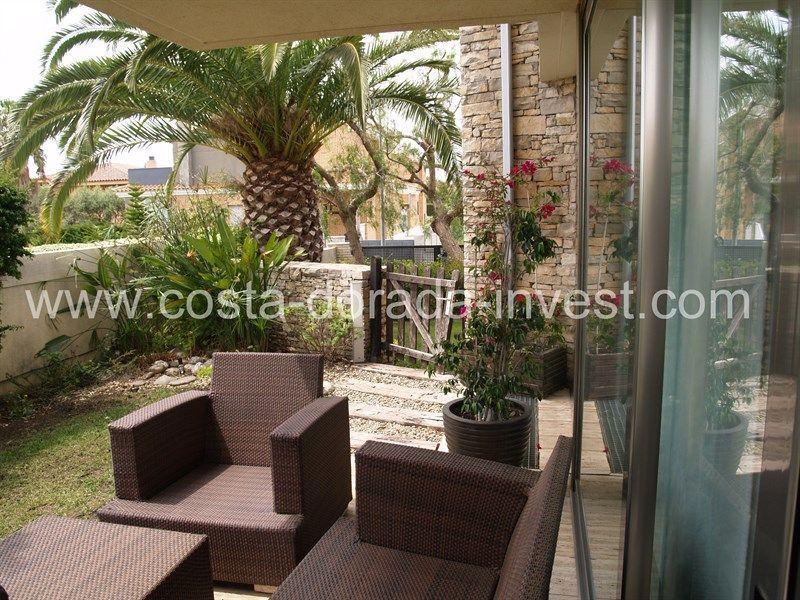 Дом на Коста-Дорада, Испания, 400 м2 - фото 1