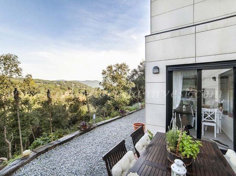 Дом в Барселоне, Испания, 1450 м2 - фото 1