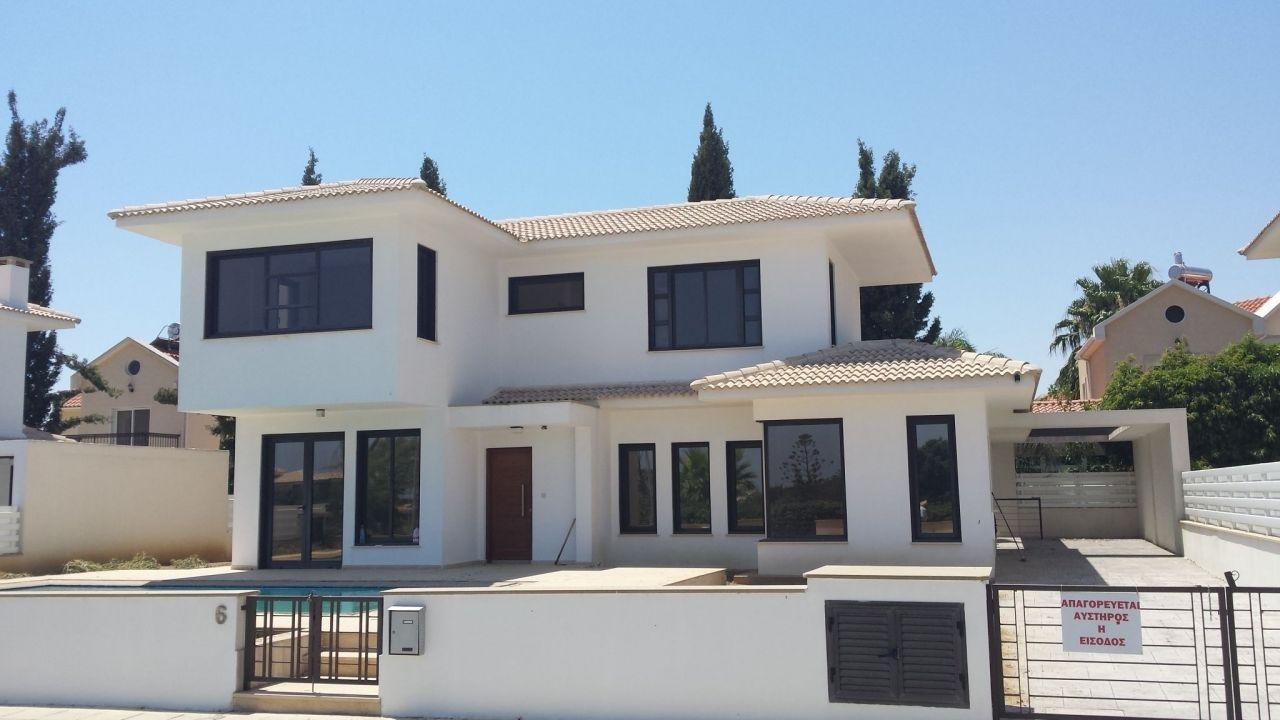 Дом в Ларнаке, Кипр, 170 м2 - фото 1