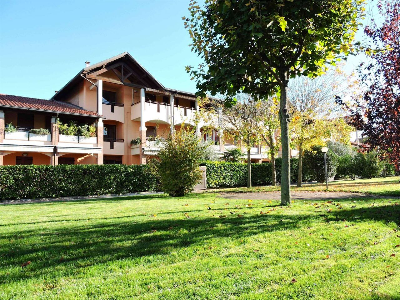Апартаменты у озера Гарда, Италия, 65 м2 - фото 1