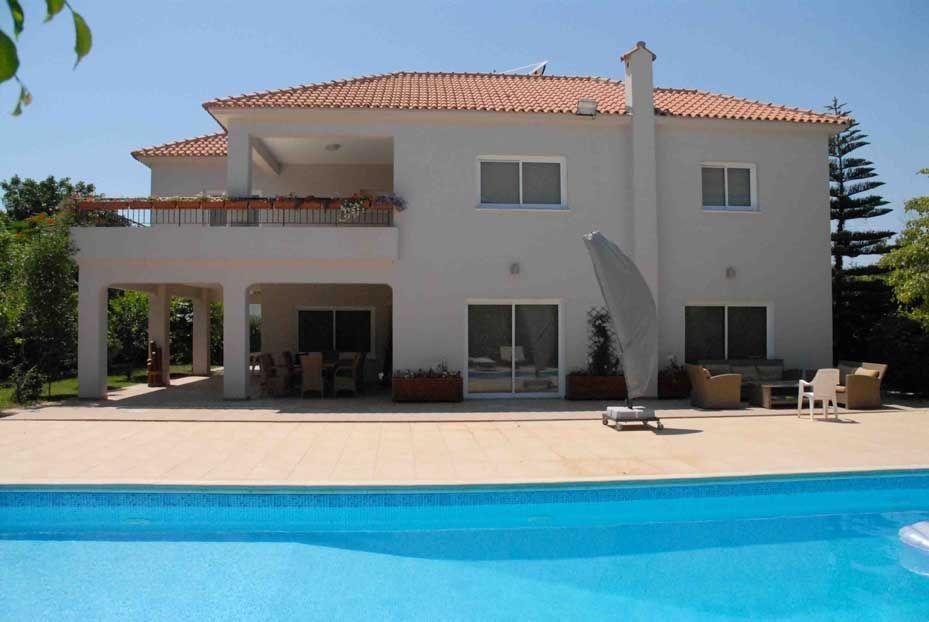 Вилла в Ларнаке, Кипр, 350 м2 - фото 1
