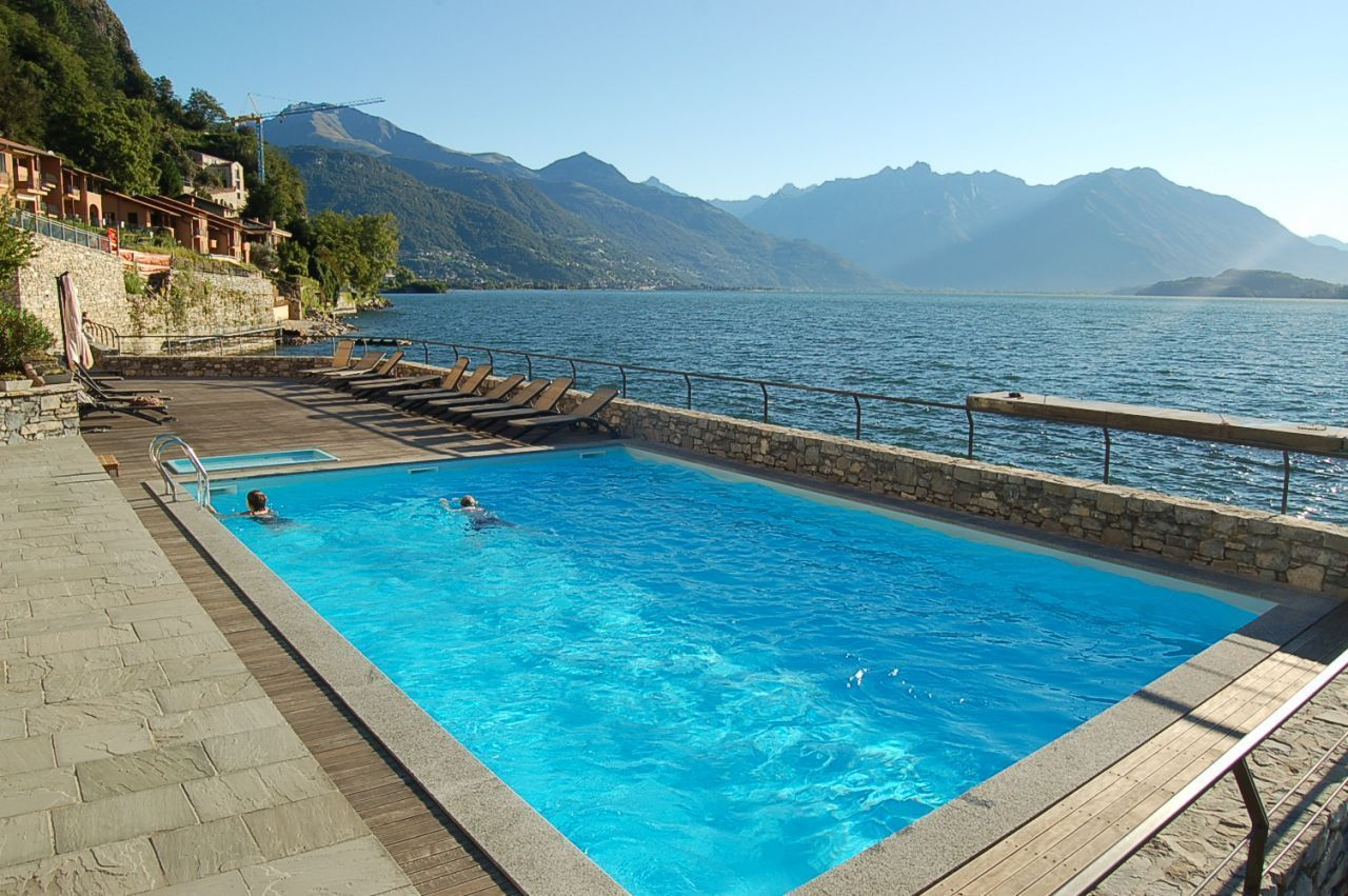Квартира у озера Комо, Италия, 90 м2 - фото 1
