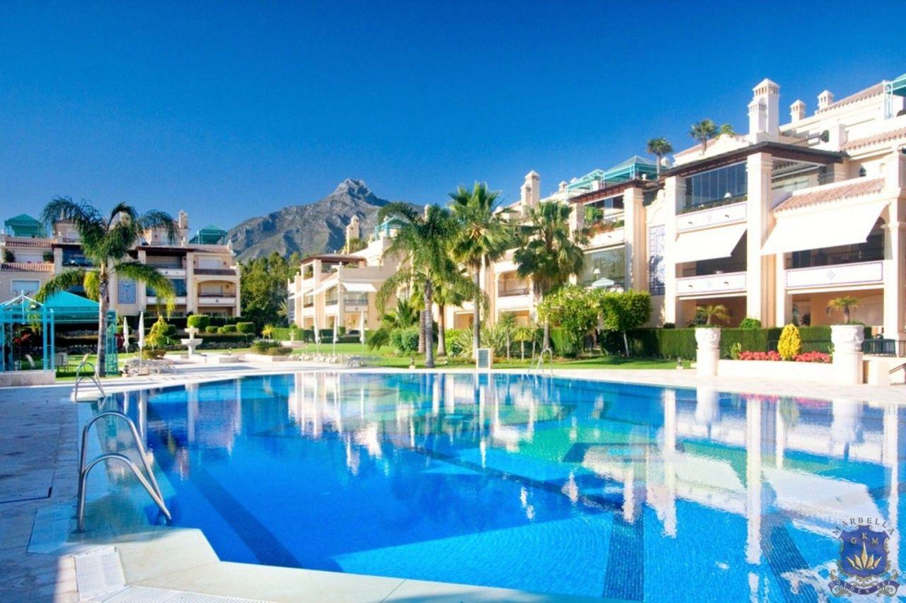 Апартаменты в Марбелье, Испания, 275 м2 - фото 1