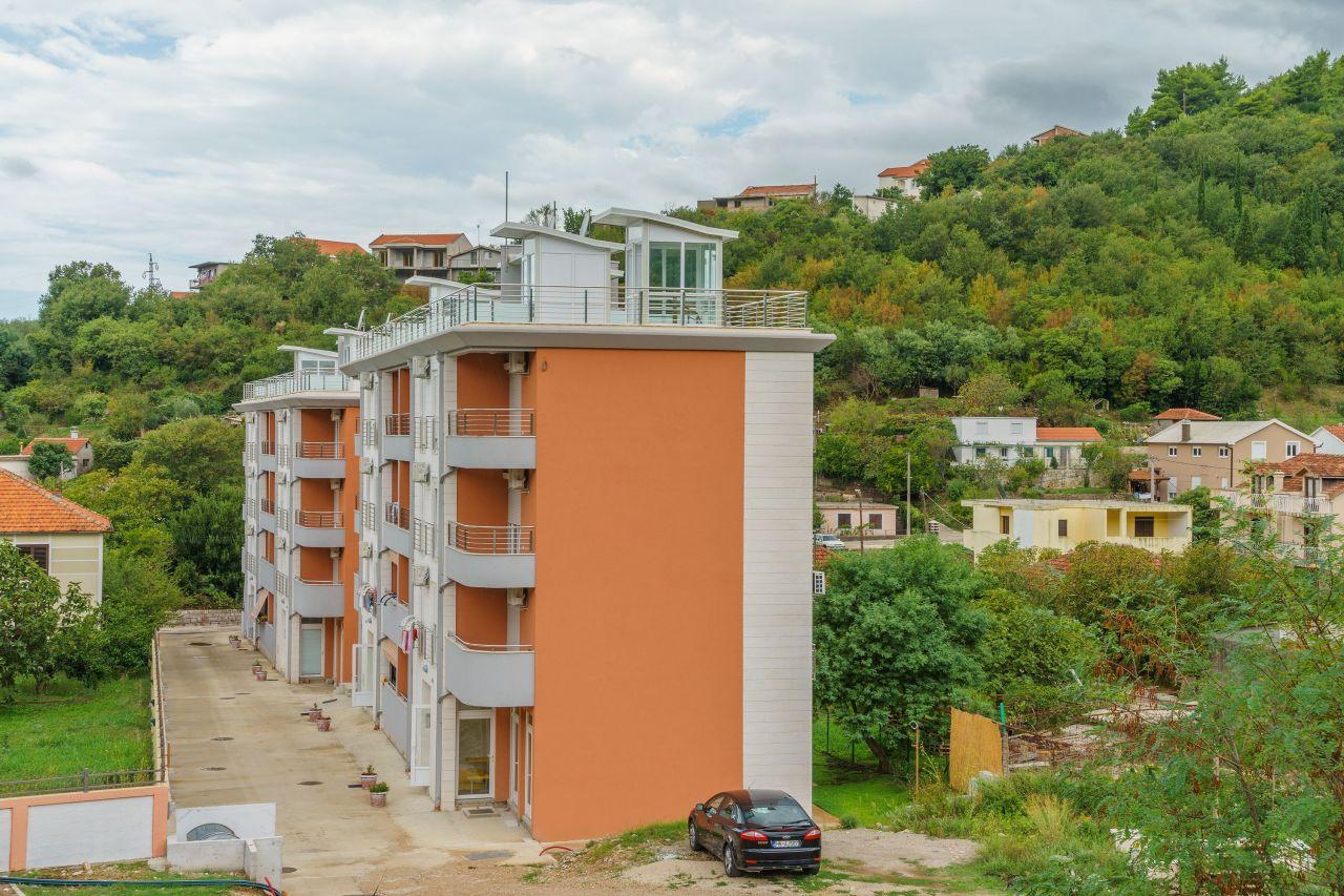 Апартаменты в Зеленике, Черногория, 110 м2 - фото 1