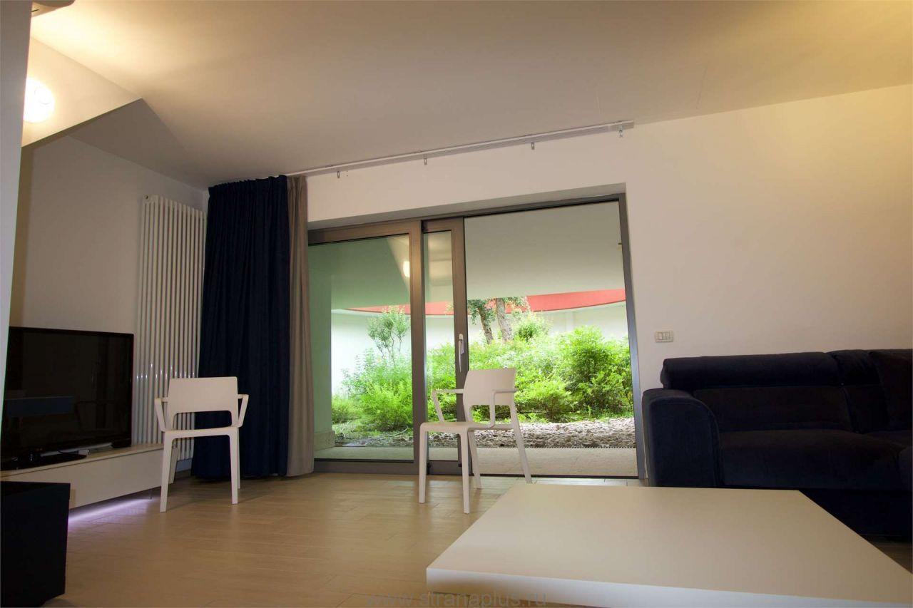 Квартира у озера Гарда, Италия, 110 м2 - фото 1