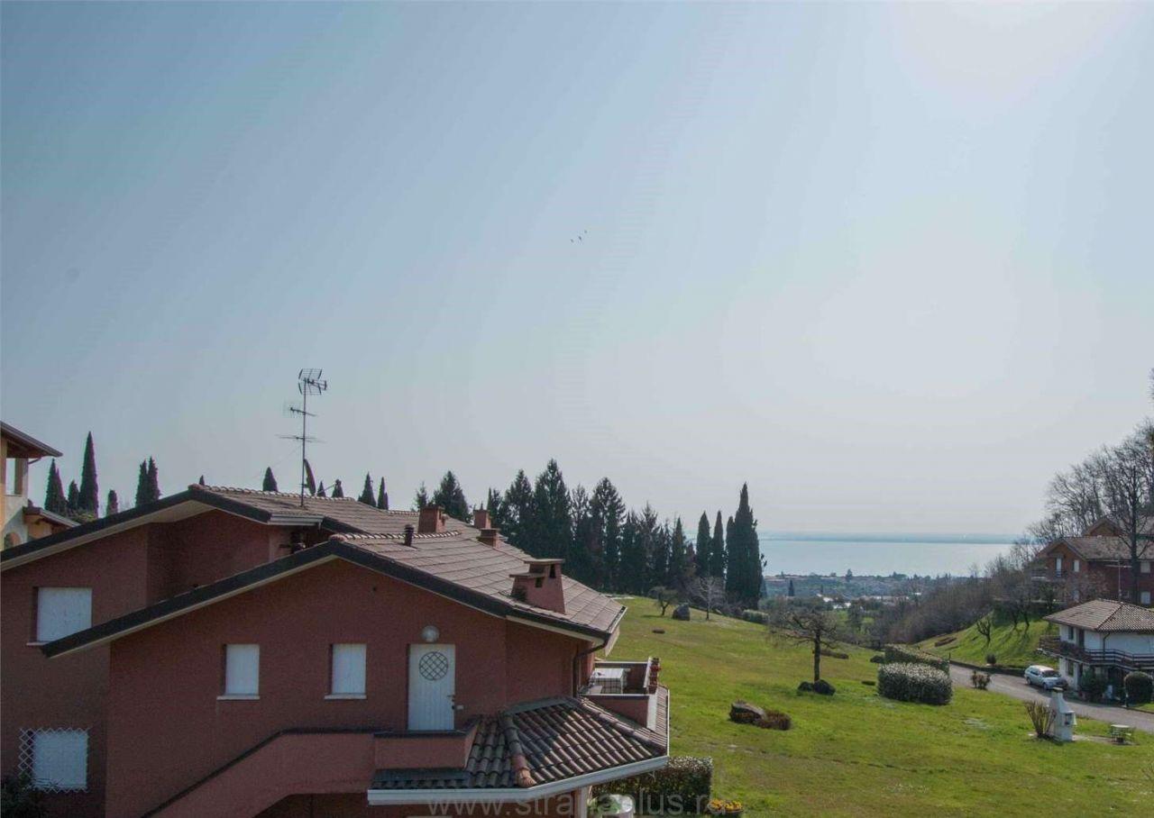 Квартира у озера Гарда, Италия, 85 м2 - фото 1